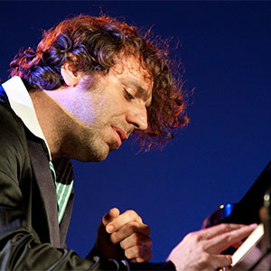 artist-Chilly Gonzales