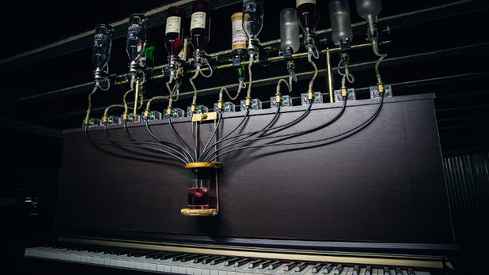Un piano qui compose vos cocktails