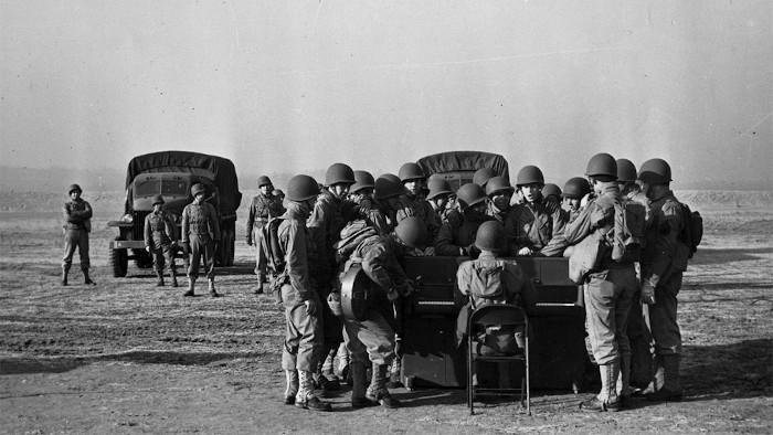 Des pianos parachutés pendant la guerre